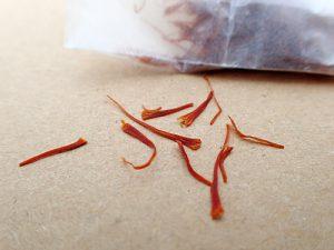آیا عصاره متانولی زعفران تاریخ مصرف دارد؟
